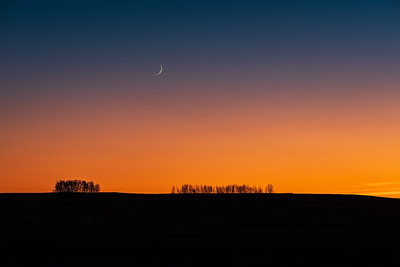 Waxing Moon and Venus in Twilight (Oct. 29, 2019)