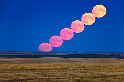 Harvest Moonrise Composite (Sept 30, 2020)