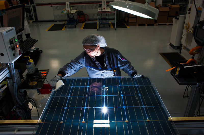 "New bifacial modules on the assembly line Thursday 2/18/16. © 2016 SolarWorld /  <a href=""http://www.fredjoephoto.com"">http://www.fredjoephoto.com</a>"