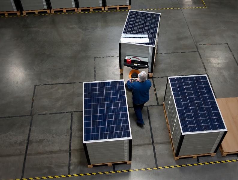 "Photo in the moduling facility at SolarWorld Hillsboro Thursday 3/17/11.  © 2011 SolarWorld /  <a href=""http://www.fredjoephoto.com"">http://www.fredjoephoto.com</a>"