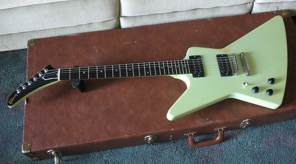 Gibson Ex full front on case VG