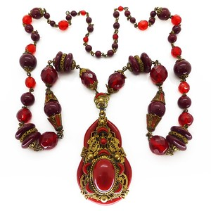 VINTAGE ART DECO CZECH RED GLASS BEAD FILIGREE PANEL ENAMEL NECKLACE