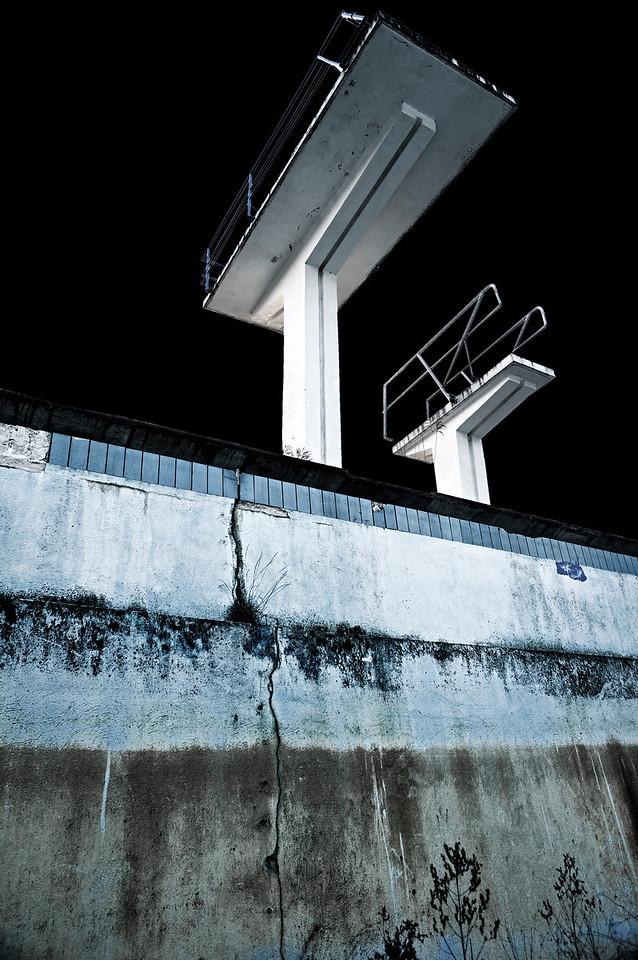 Freibad Aufderhöhe - stillgelegt 1991 -  Sprungbecken Solingen 2012