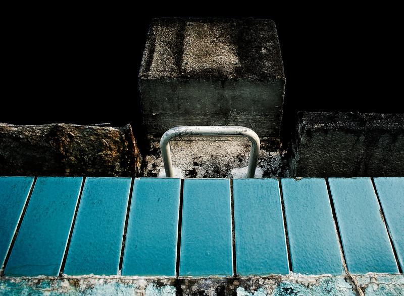 Die Sicht des Rückenschwimmers beim Startschuss  Freibad Aufderhöhe - stillgelegt 1991 - Schwimmerbecken Solingen 2012