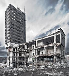 Der Kadaver von Turmhotel und Karstadt kurz vor der Sprengung - Solingen 2011