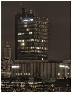 Turrmhotel, Karstadt + Parkhaus - Blick von Nord-Westen -  Solingen 2009