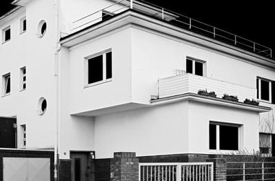 """Stadvilla im Stil des """"Neuen Bauen"""" - Am Stadtgarten - Baujahr wahrscheinlich 1932 - Solingen 2012"""