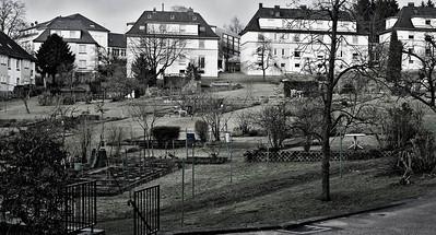 Spar- und Bauverein Solingen-Gräfrath: Siedlung Am Stadwald. Erbaut 1926-1938 Solingen 2012  http://www.bauverein-graefrath.de/Wir_uber_uns/wir_uber_uns.html#DieGeschichte
