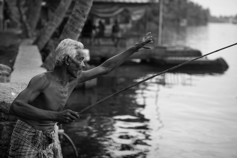 Kerala - Backwaters - fisherman