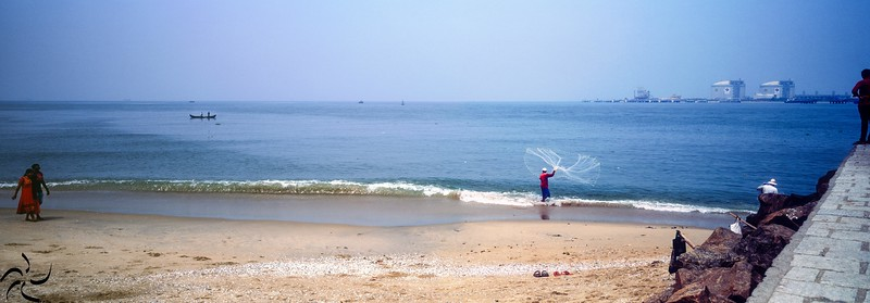 Kerala - Fort Kochi - Fisherman on the shore