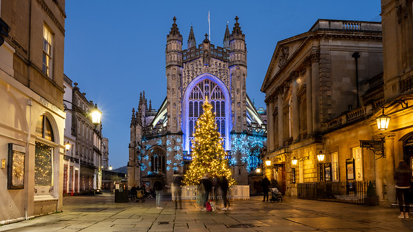Bath Abbey at christmas