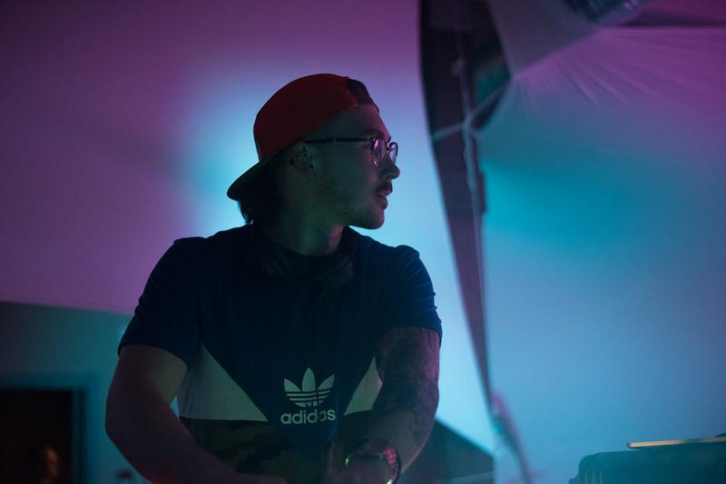 "Neon Steve<br /> Song & Surf 2017<br /> © Danielle Lindenlaub  <br />  <a href=""http://www.facebook.com/dlindenlaubphotography"">http://www.facebook.com/dlindenlaubphotography</a><br /> insta: @dlindenlaubphotography"