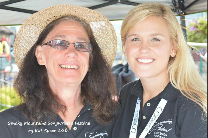 2014SMSWF0822FRI17 SMSWF Coordinators Cyndy Montgomery Reeves w Iris Reeves Ramsey