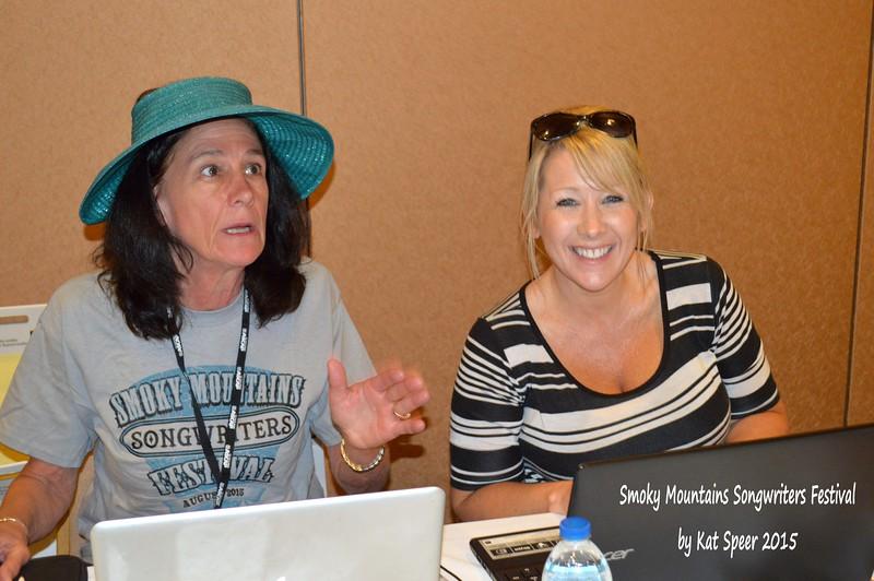 2015SMSWF0822SAT77 Cyndy Reeves w Donna Hopkins