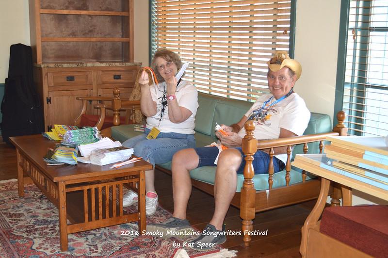 20160824wedSMSWFks 021 Bob and Debbie Crain