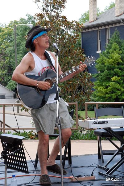 2009 Songwriters Festival 001 John DiBattista