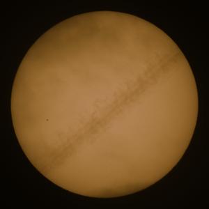 Merkurtransit 11. November 2019 (mit Kondensstreifen)