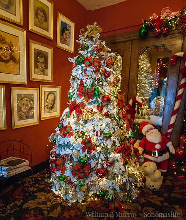 2017 Sebastian Theatre Christmas decorations