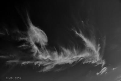 """29-10-2009  """"Nube fea"""" - Pero, para mi, tan fascinante como la mayoría.  """"Ugly cloud"""" - But, for me, as fascinating as most."""