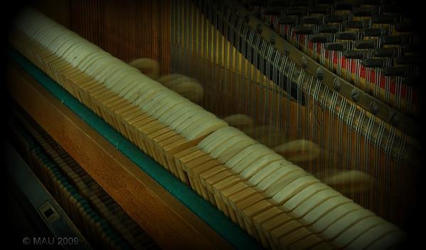 """""""El viejo piano vertical de la abuela (IV)"""" - """"Grandma's old vertical piano (IV) """""""
