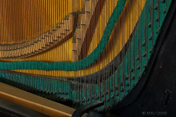 """""""El viejo piano vertical de la abuela (III)"""" - """"Grandma's old vertical piano (III) """""""