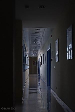 """12-09-2009<br /> <br /> """"Pasillo"""" - Sí, es de un hospital. Hay gente que visita museos y a mi últimamente me ha dado por visitar hospitales ;-)<br /> <br /> """"Corridor"""" - Yes, in a hospital. There is people who visits museums and I prefer hospitals lately ;-)"""