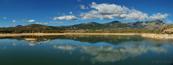 """06-11-2010  """"Embalse de Navacerrada"""" -  Para información en Wikipedia hacer click <a href=""""http://es.wikipedia.org/wiki/Embalse_de_Navacerrada"""">AQUI</a>. Esta panorámica la hice el pasado jueves durante mi ruta en bicicleta, en la que recorrí los pueblos de Guadarrama, Los Molinos, Navacerrada, Becerril y Collado Mediano.  """"Navacerrada Reservoir"""" - For a translation of the Spanish Wikipedia article click <a href=""""http://translate.google.com/translate?hl=es&sl=es&tl=en&u=http%3A%2F%2Fes.wikipedia.org%2Fwiki%2FEmbalse_de_Navacerrada"""">HERE</a>. I shot this pano last Thursday during my bike route through the villages of Guadarrama, Los Molinos, Navacerrada, Becerril and Collado Mediano."""
