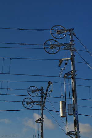 "01-3-2011<br /> <br /> ""Tensando la catenaria""<br /> <br /> ""Making the catenary taut"""