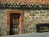 """23-4-2011<br /> <br /> """"La puerta"""" - Nunca la he visto abierta, no tengo ni idea de lo que puede haber dentro.<br /> <br /> """"The door"""" - I've never seen it open, no idea of what may be inside."""