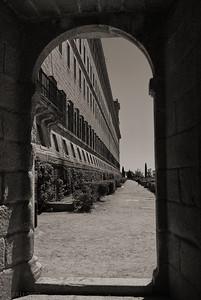 """19-1-2011  """"Entrada al Jardín de los Frailes"""" - En el Monasterio de El Escorial.  """"Entrance to the Gardens of the Friars"""" - In the Monastery of El Escorial."""