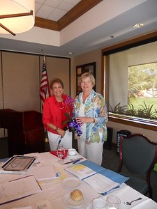 2012 Soroptimist of the Year, Kaye Van Nevel (right) with SIVista President Cherie Wilson.