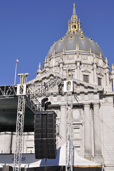 San Francisco Pride 2012: With San Francisco city hall as a backdrop, Spider Ranch Productions provided McCauley Monarch line array.