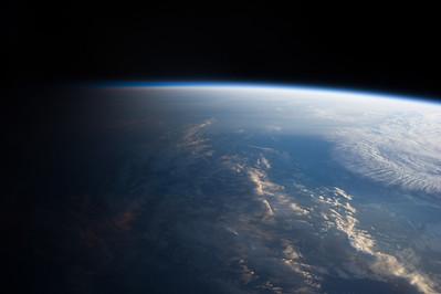 Reid Wiseman @astro_reid  Sep 4 Good morning from #space pic.twitter.com/PsgOpD4kqx