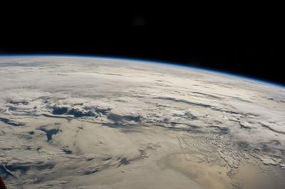 Reid Wiseman @astro_reid  Sep 22 Gorgeous view looking east crossing the #Atlantic this morning.
