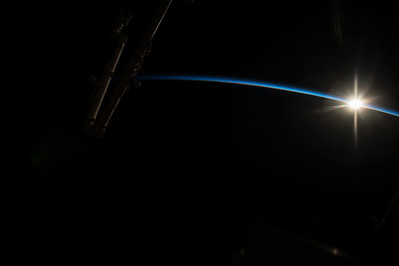 Reid Wiseman @astro_reid  Oct 29 Not every day is easy. Yesterday was a tough one. #sunrise