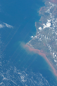 iss043e093235