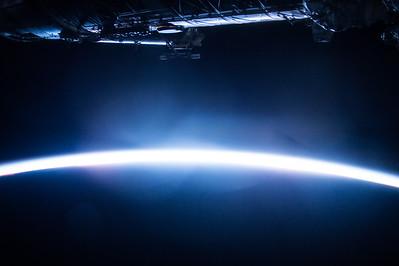 The white glow the instant before the sun breaks the horizon. #HappySunday! #YearInSpace