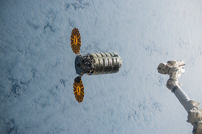 Happy to accept #Cygnus with an open arm this morning. Look forward to bringing onboard new #ISSCargo! #YearInSpace