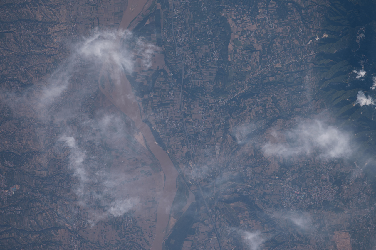 iss048e012826