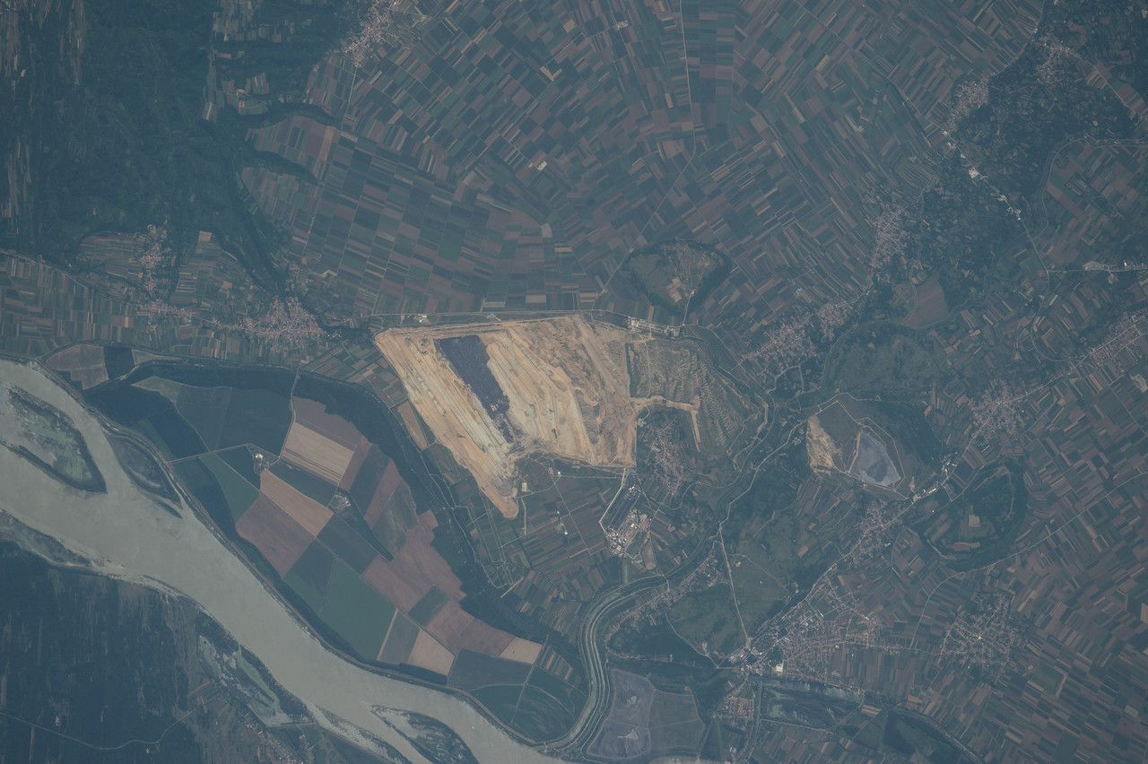 iss048e012724