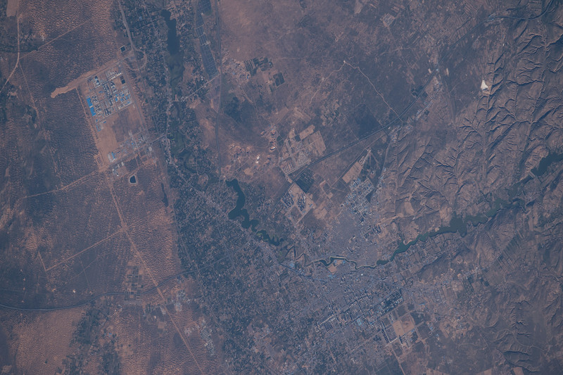iss048e012822
