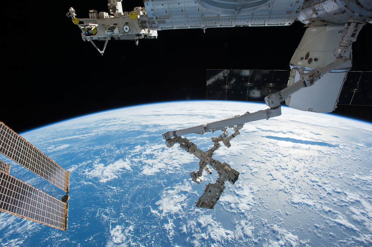 iss048e060565