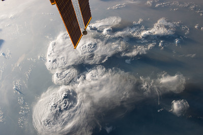 iss049e025764