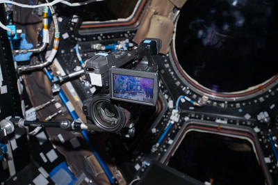 iss052e053570