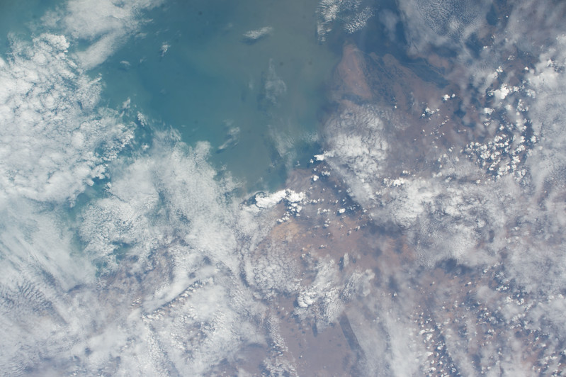 iss053e101819