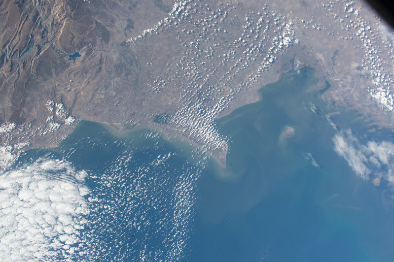 iss053e101807