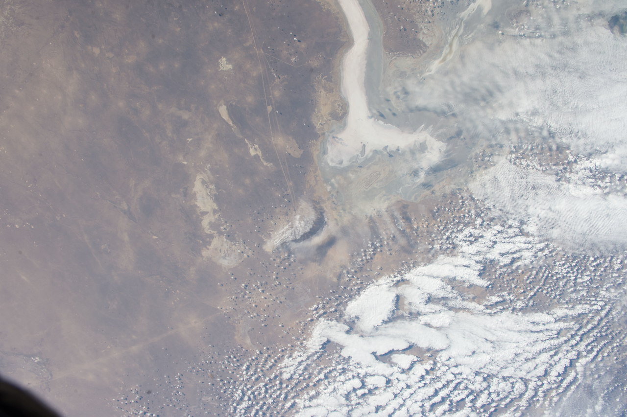 iss053e101823