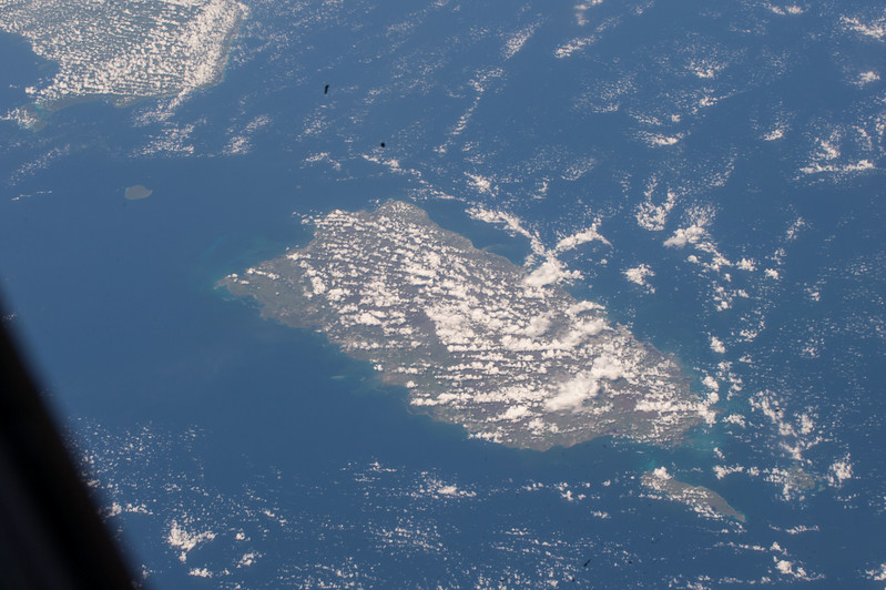iss053e101702
