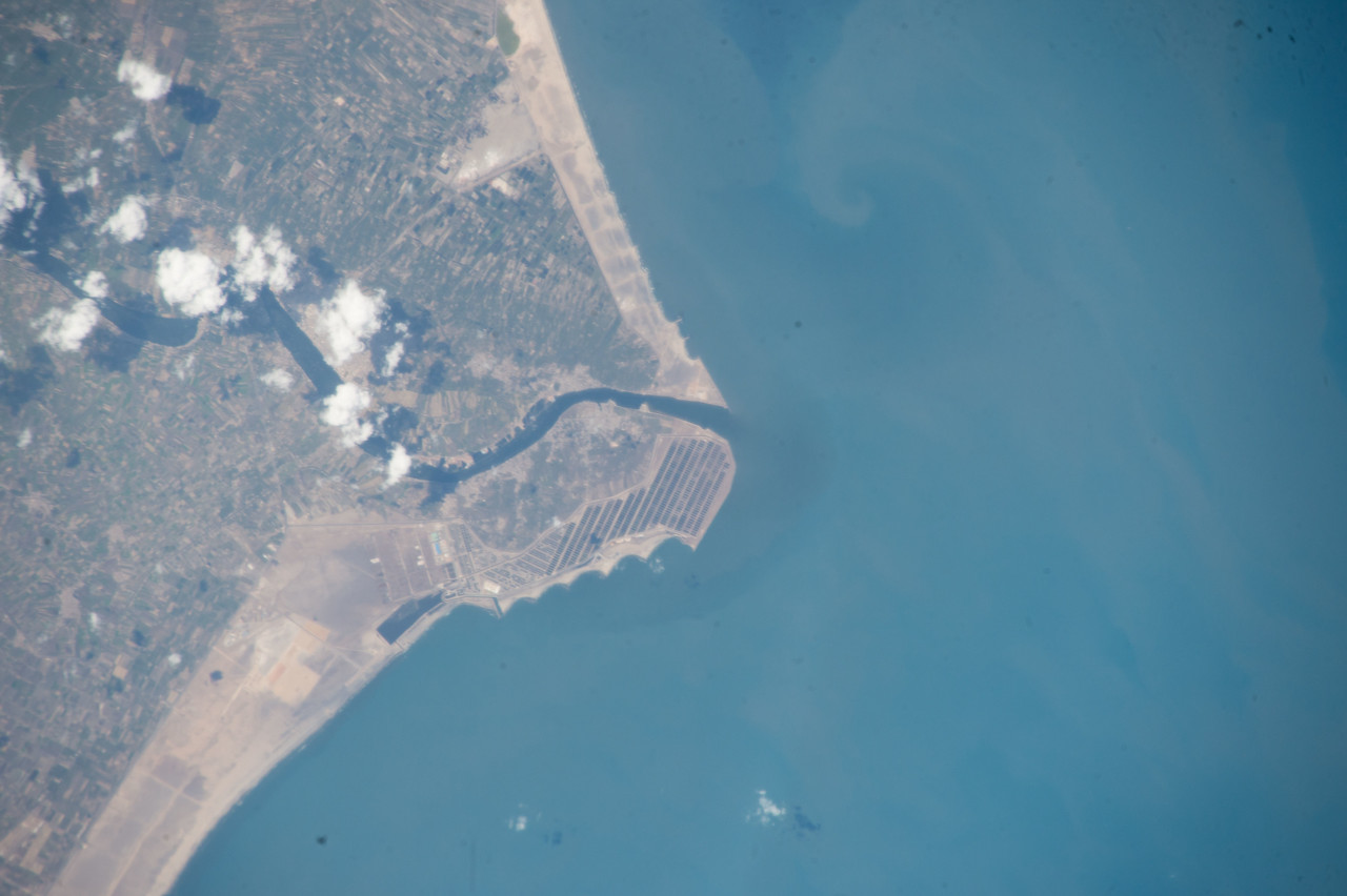 iss053e101725