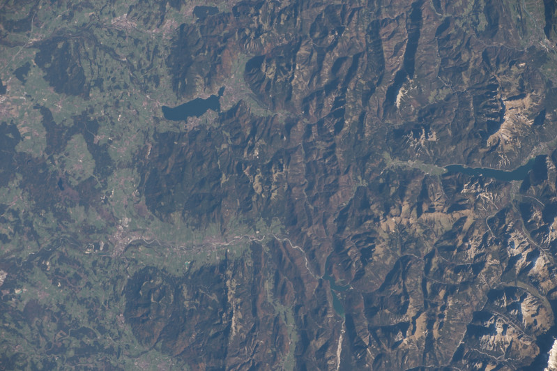 iss053e101561